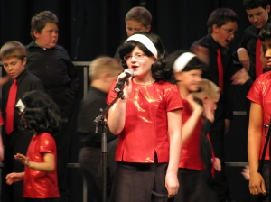 Sydnie's AWESOME Hairspray Solo